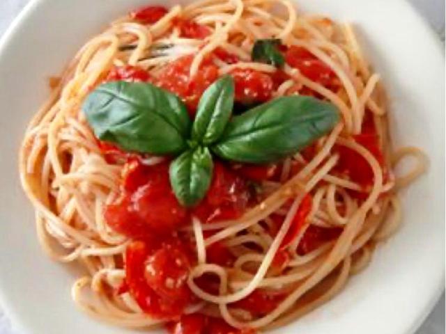 Best Pizza Bali Spaghetti Pomodoro Fresce